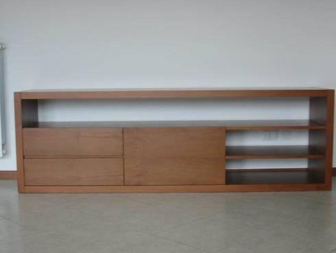 """Mobile """"panca-3"""" .: Soggiorno in stile in stile Moderno di ARKHISTUDIO"""