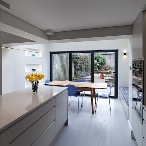 Highbury town house por ape architecture design ltd for Cocinas con salida al patio