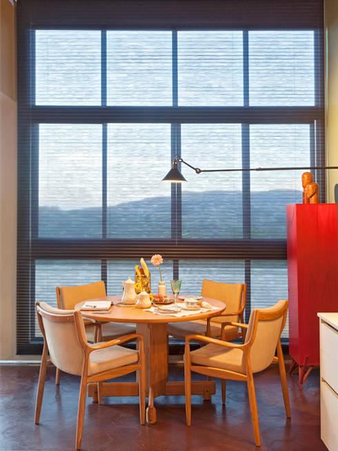 CASA COR - LOFT MULHER MODERNA: Salas de jantar  por Isabela Bethônico Arquitetura