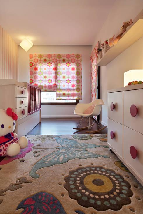Nursery/kid's room by Tiago Patricio Rodrigues, Arquitectura e Interiores