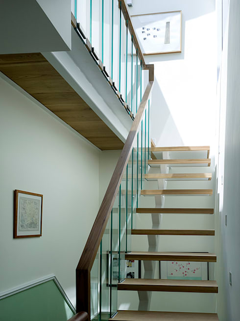 Milman Road - oak & walnut staircase:  Corridor & hallway by Syte Architects