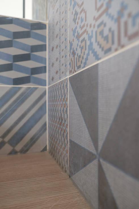 Yeme + Saunier의  벽 & 바닥