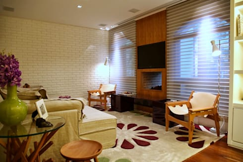 Residência Jardim Marajoara: Salas multimídia modernas por MeyerCortez arquitetura & design