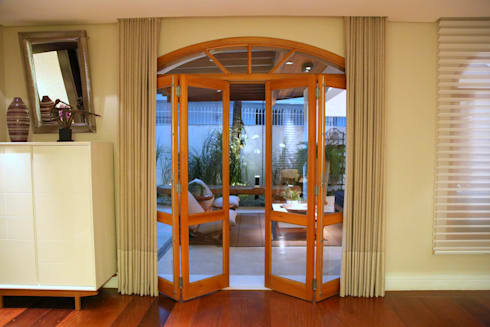 Residência Jardim Marajoara: Janelas   por MeyerCortez arquitetura & design