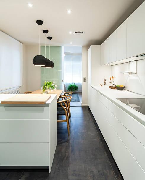 مطبخ تنفيذ DyD Interiorismo - Chelo Alcañíz