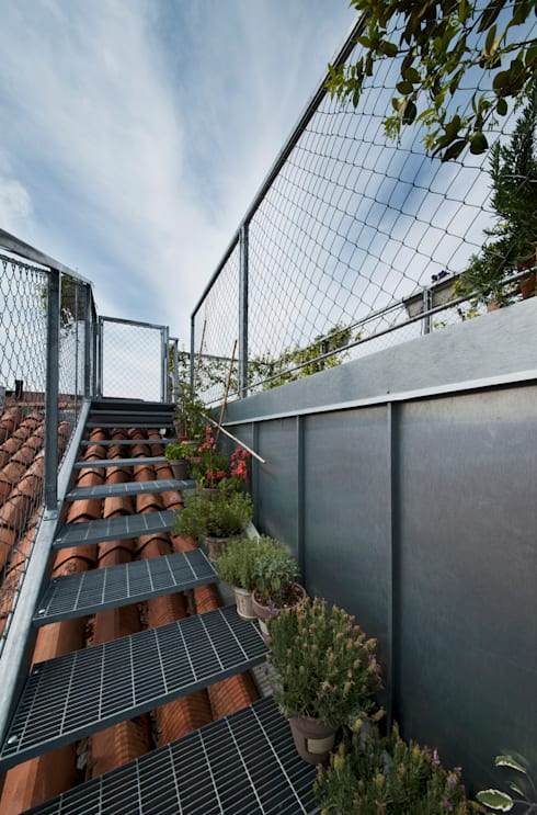 scala per l'altana: Terrazza in stile  di studio wok
