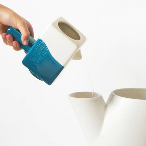 Boomtop & Vogel: minimalistische Woonkamer door Ping & Moos