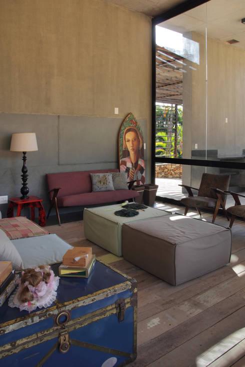 COSTAVERAS ARQUITETOS:  tarz Oturma Odası