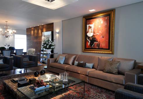 apartamento em Caxias do Sul | RS | Brasil: Salas de estar ecléticas por C2 Arquitetos