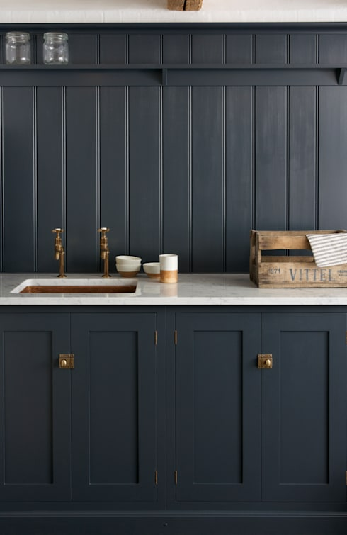 The Cotes Mill Utility Room by deVOL: rustic Kitchen by deVOL Kitchens