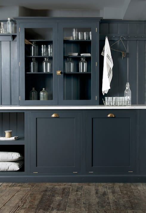 The Cotes Mill Utility Room by deVOL:  Kitchen by deVOL Kitchens