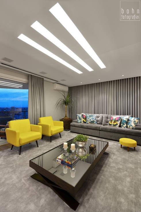 Living – Ambiente Estar e Jantar 160m2: Salas de estar modernas por Carolina Burin Arquitetura Ltda