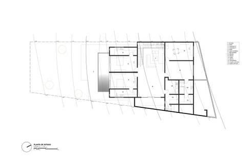 Planta Sotano:  de estilo  por Diez y Nueve Grados Arquitectos
