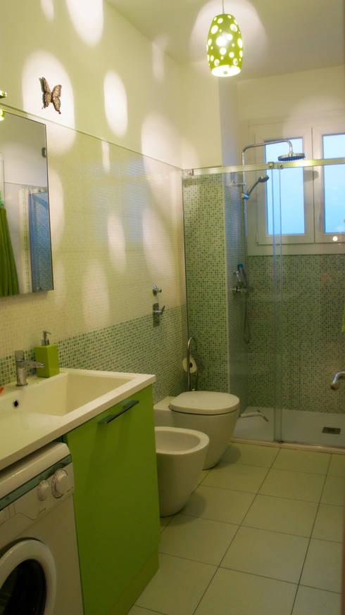 Bagno: Bagno in stile in stile Moderno di Marzia Bettoli  Interior Designer
