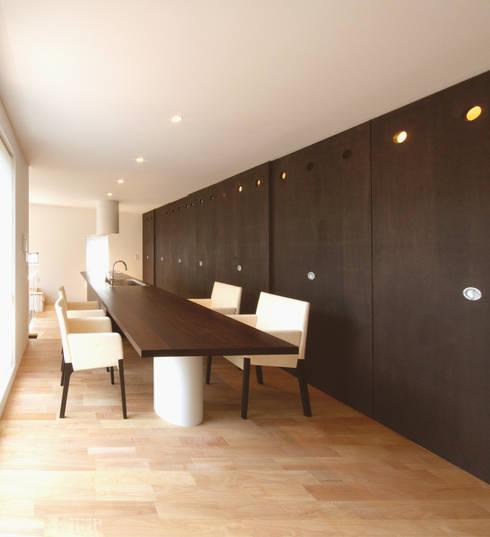 猪高台の家: 笹野空間設計が手掛けたダイニングです。