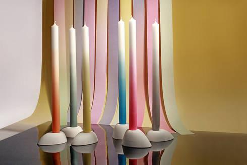 Gradient Candles: moderne Eetkamer door mo man tai