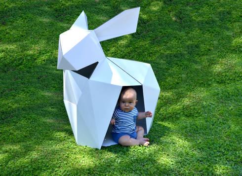Casita de cartón para niños: Habitaciones infantiles de estilo  de CartonLab
