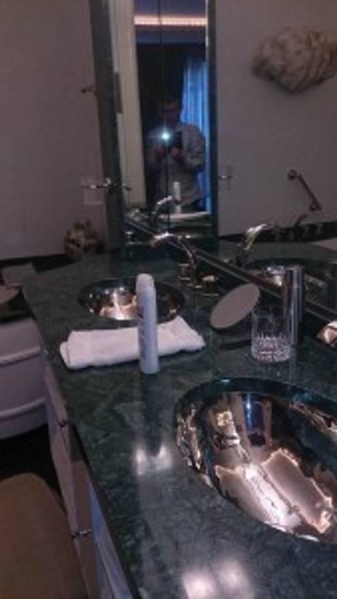 gastenbadkamer penthouse groningen: eclectische Badkamer door Badexclusief