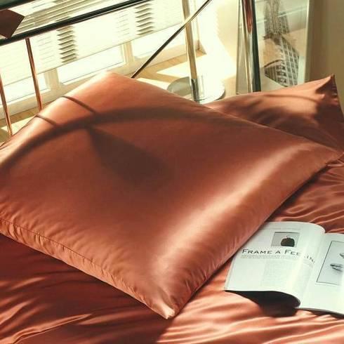 spinnh tte cellini seidenbettw sche von homify. Black Bedroom Furniture Sets. Home Design Ideas