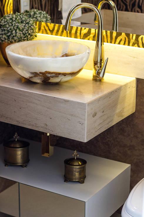 Projeto de Arquitetura de Interiores – Lavabo: Banheiros modernos por Sarah & Dalira
