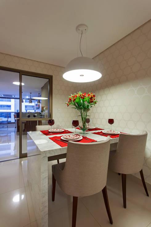 Apartamento Ribeirão Preto: Cozinhas  por Designer de Interiores e Paisagista Iara Kílaris