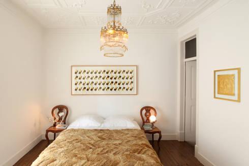 Dormitorios de estilo ecléctico por Tiago Patricio Rodrigues, Arquitectura e Interiores