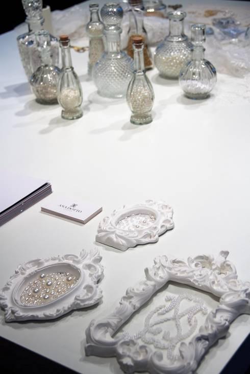 Projeto Comercial Atelier Ana Dotto: Espaços comerciais  por Sarah & Dalira