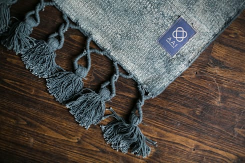 Mekong Nights collectie 15 – AAI made with love: moderne Woonkamer door AAI made with love