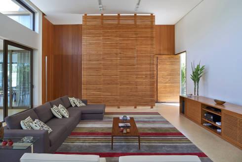 Estar, Casa Amendoeiras.: Salas de estar modernas por Beth Marquez Interiores