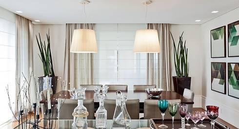 Lapa | Residenciais: Salas de jantar modernas por SESSO & DALANEZI