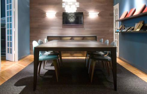 Sala de reuniones: Salones de estilo ecléctico de DyD Interiorismo - Chelo Alcañíz