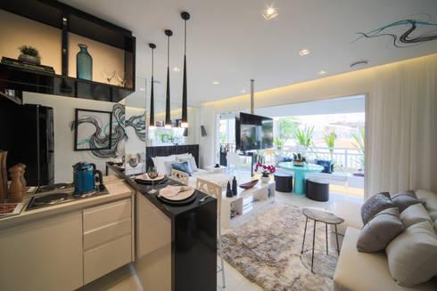 ONNI_Eugênio de Medeiros: Salas de jantar modernas por Chris Silveira & Arquitetos Associados