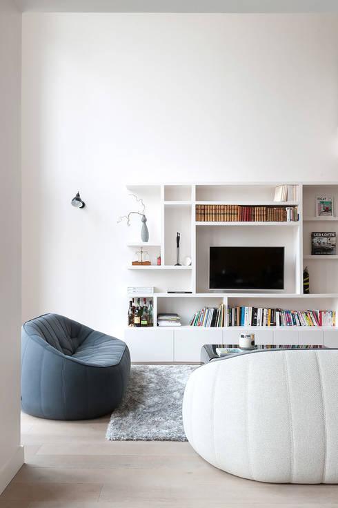 Triplex Ile de la Jatte: Salon de style  par am alexandra magne