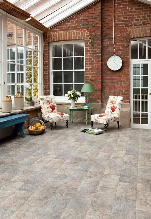Pareti & Pavimenti in stile in stile Classico di Leoline