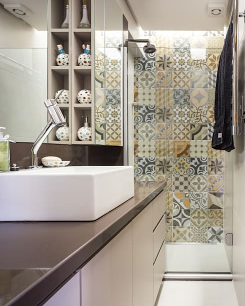 Ванные комнаты в . Автор – Kali Arquitetura