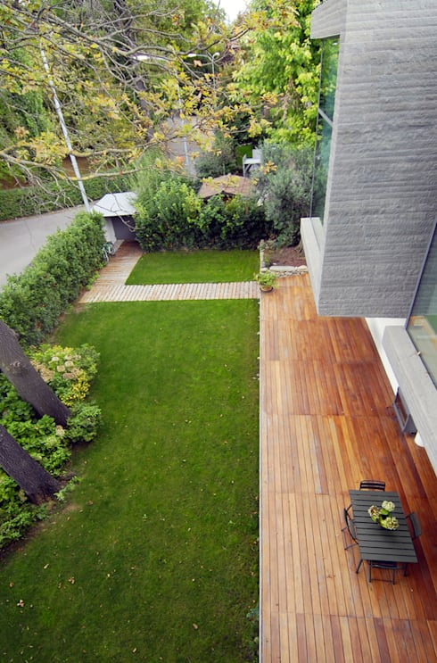 HSBC – housescape reggio emilia: Giardino in stile in stile Moderno di NAT OFFICE - christian gasparini architect