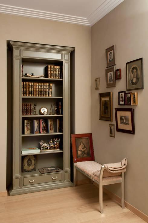 ниша для шкафа в холле: Коридор и прихожая в . Автор – LDdesign