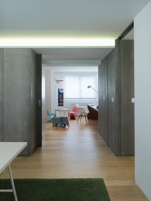 Nursery/kid's room by Castroferro Arquitectos