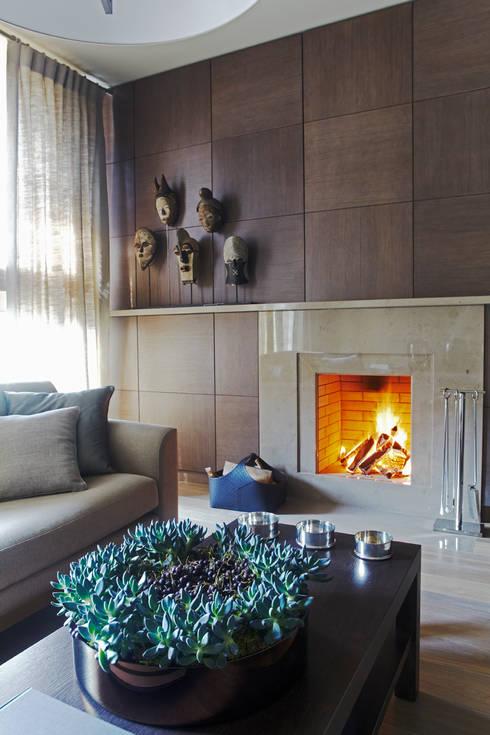 Квартира в Москве на улице Станиславского: Гостиная в . Автор – Дизайн бюро Татьяны Алениной
