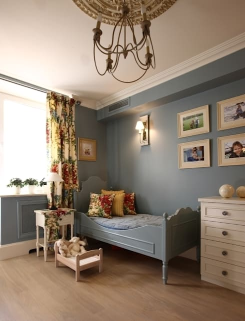 classic Nursery/kid's room by Дизайн бюро Татьяны Алениной