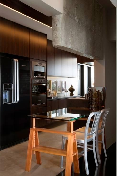 Apartamento Pavão : Cozinha  por Maurício Karam Arquitetura