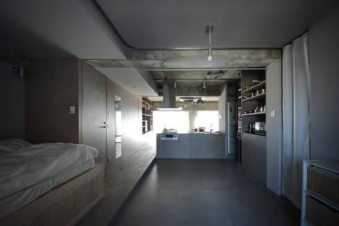 駒場・ROOM・S(KOMABA・ROOM・S): 吉田裕一建築設計事務所が手掛けた和室です。