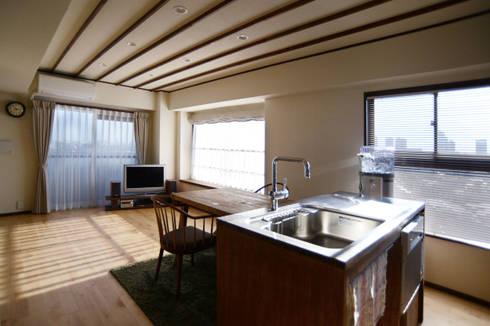 御嶽山・ROOM・T(ONTAKESAN・ROOM・T): 吉田裕一建築設計事務所が手掛けたキッチンです。