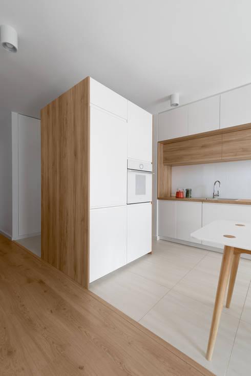 Mieszkanie MiM: styl , w kategorii Kuchnia zaprojektowany przez 081 architekci