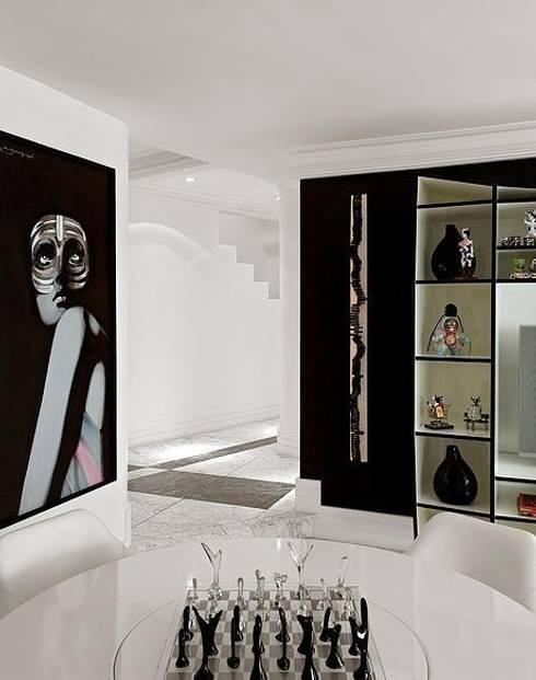 Triplex Moema: Salas de jantar modernas por STUDIO CAMILA VALENTINI