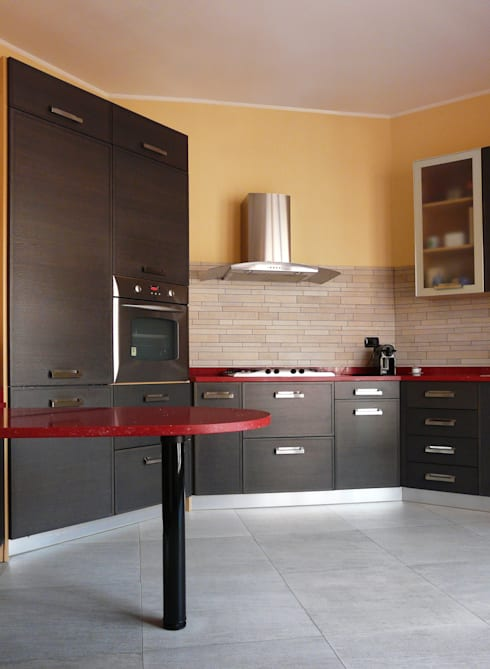 Cucina: Cucina in stile in stile Moderno di Interni d' Architettura