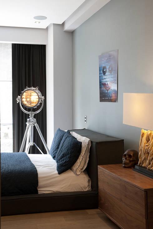 Dormitorios de estilo  por kababie arquitectos