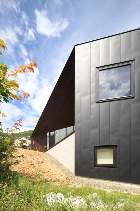 宮の森の家: 株式会社コウド一級建築士事務所が手掛けた家です。