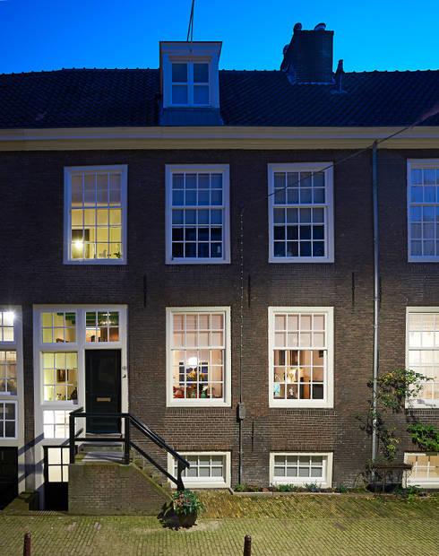 de voorgevel: klasieke Huizen door Architectenbureau Vroom