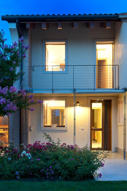 Casas de estilo  por Lormet